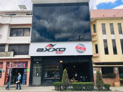 Edificio Comercial en Gualaceo / MAURAT Real Estat