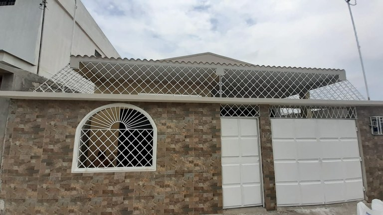 Puertas del Sol II: For sale beautiful house in Salinas.