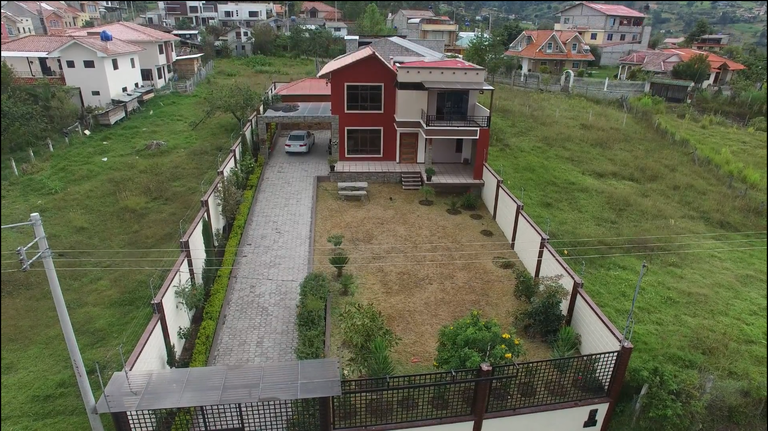 Countryside House For Sale in Gualaceo
