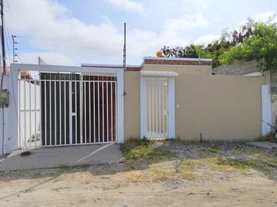 Near the Coast House For Sale in San Lorenzo - Salinas