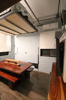 mh bed and dining table.JPG